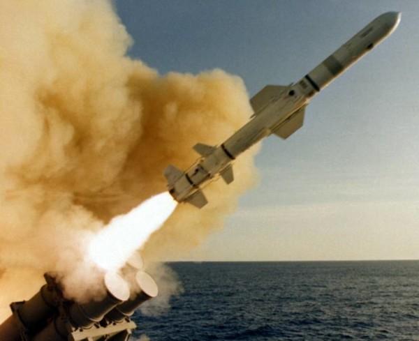 США, Великобритания и Франция атаковали Сирию