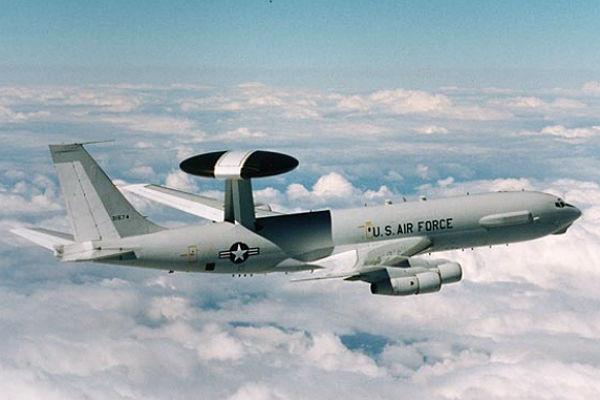 на американском самолете ОС-135В