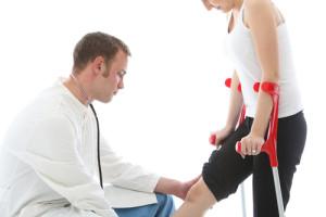 Клиентка, сломала здоровую ногу, тестируя протез