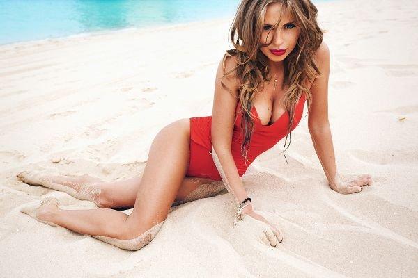 Украинка Олеся Крайнюк стала лучшей Бикини-моделью Мира