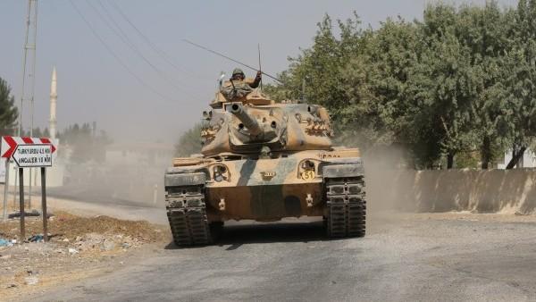 Турция вторглась в Сирию. Эрдоган отправил войска против курдов