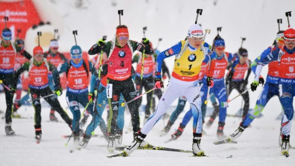 Биатлон - француз Фуркад побеждает в гонке перед Олимпиадой