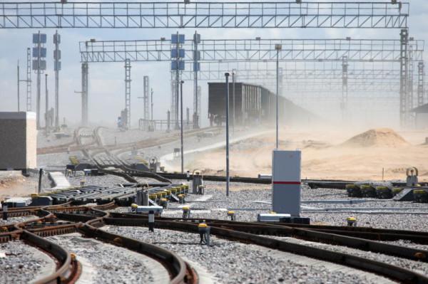 На станции Лужская внедрена система автоматизированного управления маневровыми тепловозами