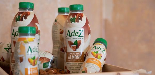 Coca-Cola выводит на российский рынок новый бренд растительных напитков AdeZ