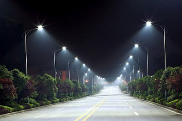 Если уличное освещение, то светодиодное