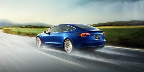 Tesla получила почти 14 000 заказов Model 3 в Европе
