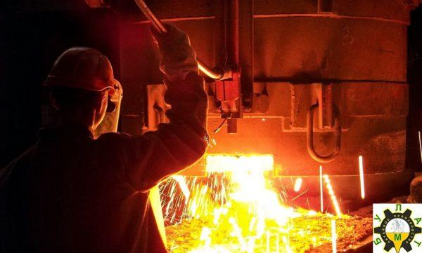 Акции производителей стали в США могут расти вместе с сырьевыми товарами