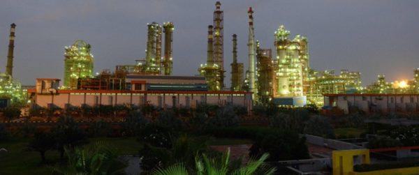 Индия ожидает решения США об отказе от поставок иранской нефти в мае