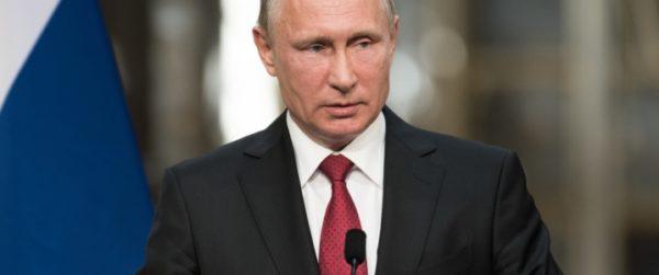 Путин теряет популярность, поднимая налоги и вознаграждая нефтяные компании
