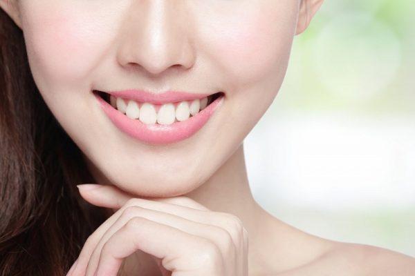 Скидка 51% на отбеливание зубов действует в стоматологии «Зууб.рф»