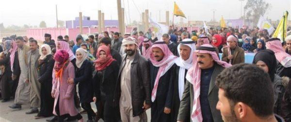 Арабы протестуют против курдского правления в богатом нефтью сирийском регионе