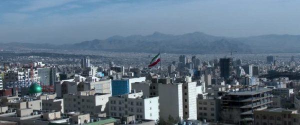 Премьер-министр Японии посещает Иран: торговля нефтью стоит на повестке дня