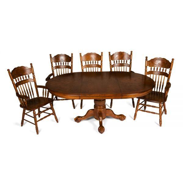 Классический обеденный стол: каким должен быть?