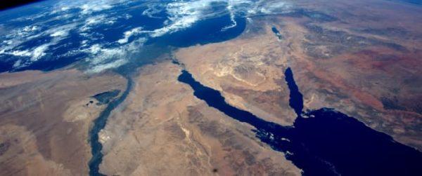 Египет задерживает танкер, перевозящий иранскую нефть
