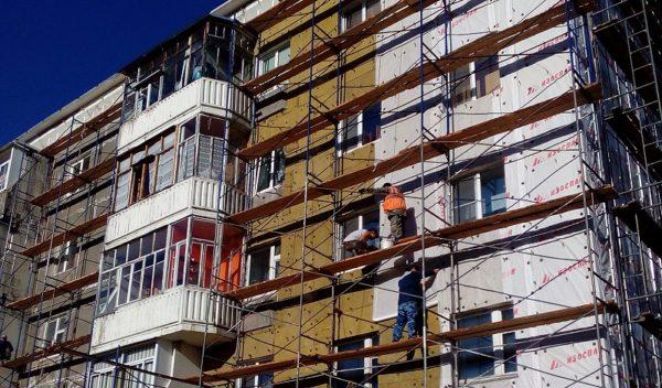 Комбинат «Волна» и капремонт: 180 тысяч кв. метров кровельных материалов для многоэтажных домов