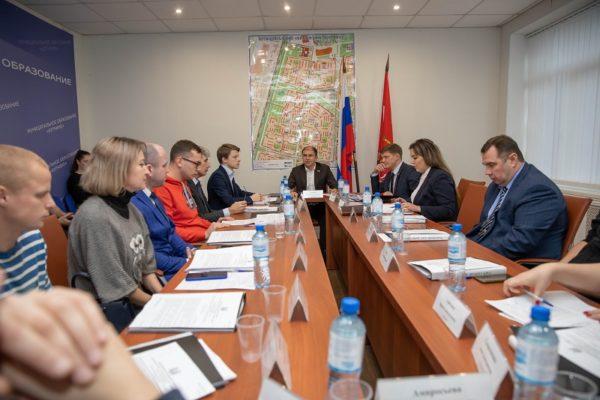 Михаил Романов провел встречу с депутатами муниципального образования Купчино