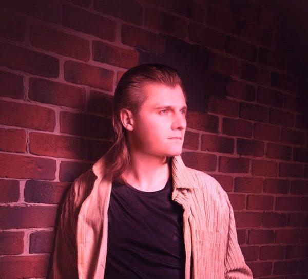 Электронный музыкант, композитор Алексей Фомин о том, как пишется музыка, в чем состоит главная задача музыканта и что важнее, творчество или финансовая сторона