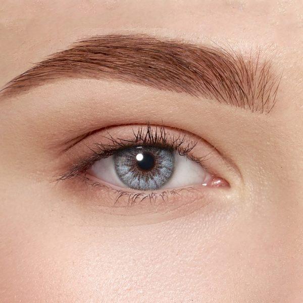 Цветные контактные линзы — почему совпал выбор звезд и офтальмологов