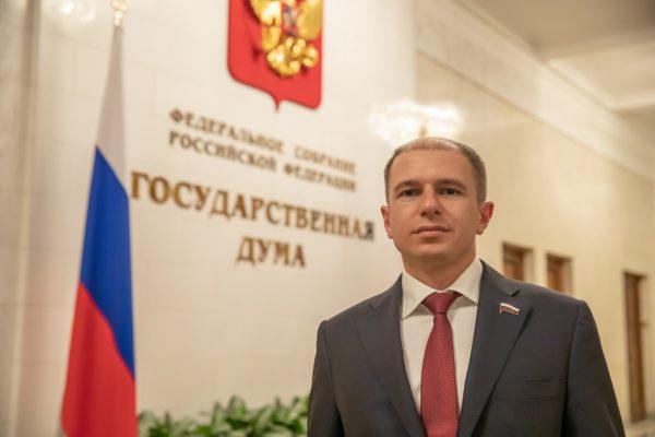 Михаил Романов поздравил петербургских пожарных с профессиональным праздником