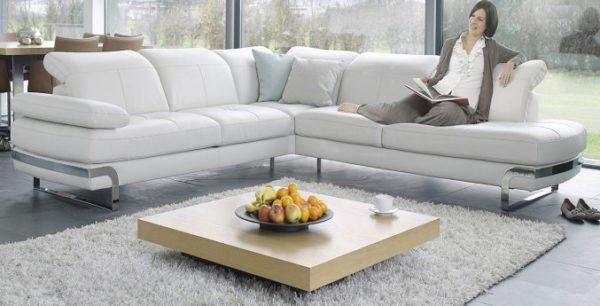 Чистка мягкой мебели: почему стоит довериться специалистам