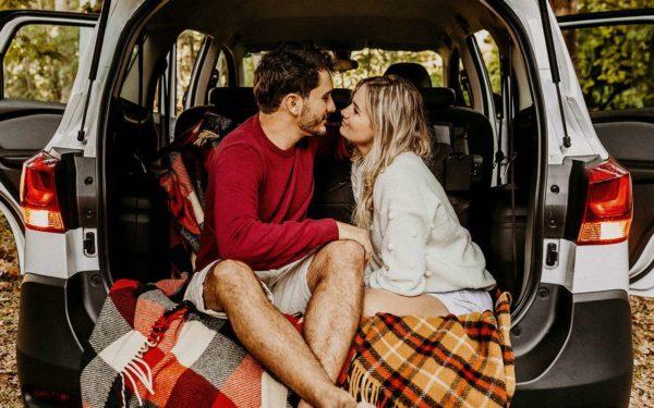 Романтический кофе-брейк в авто: россияне рассказали, как должно выглядеть идеальное свидание